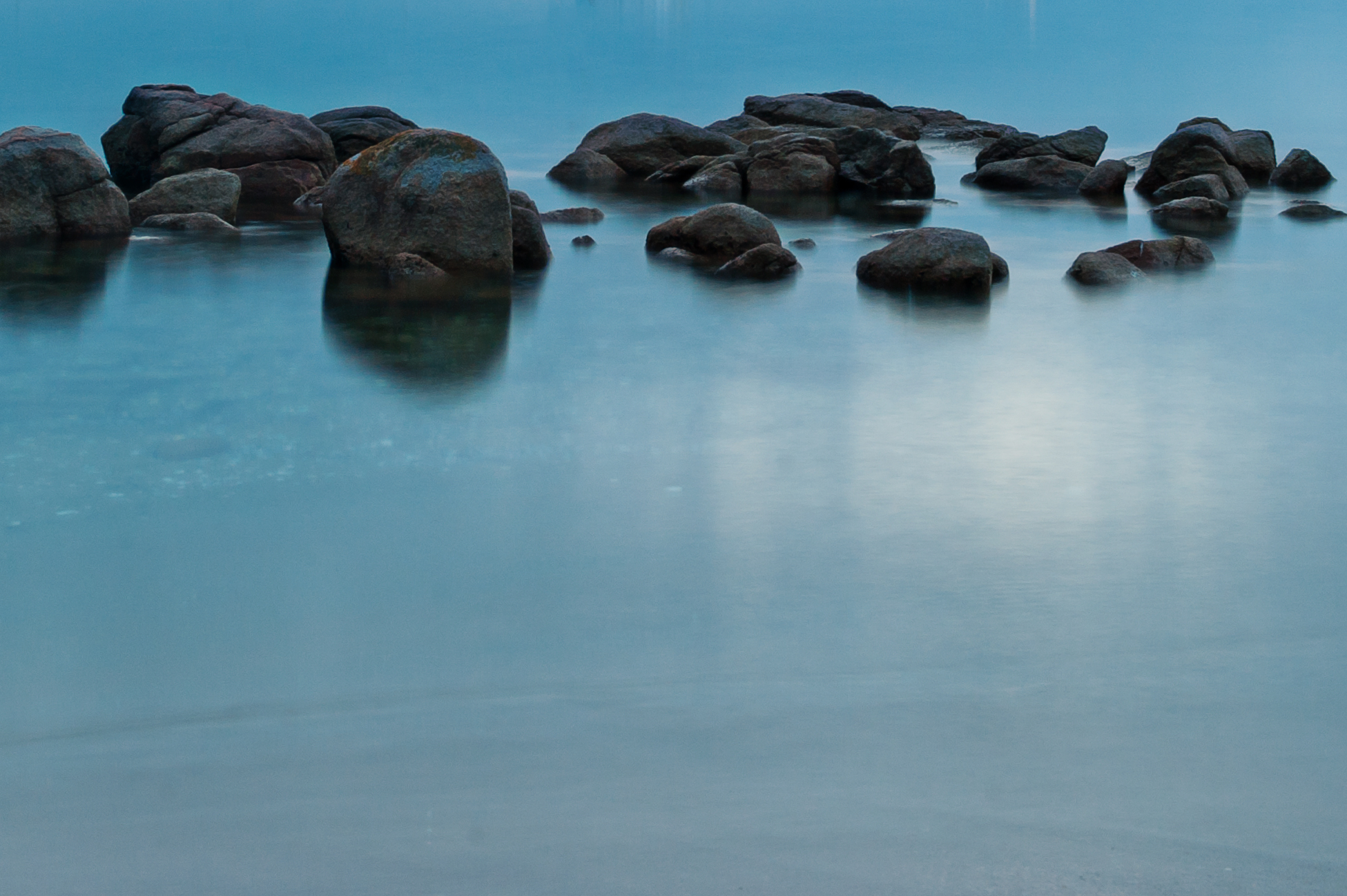 tranquil blue ocean water hydro therapy